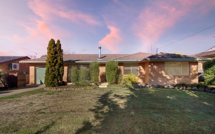 Desirable Family Living in South Hill (Laing and Simmons Armidale)