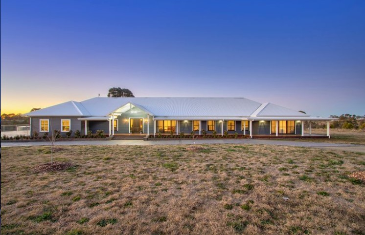 Exceptional Country Manor (Laing + Simmons Armidale)