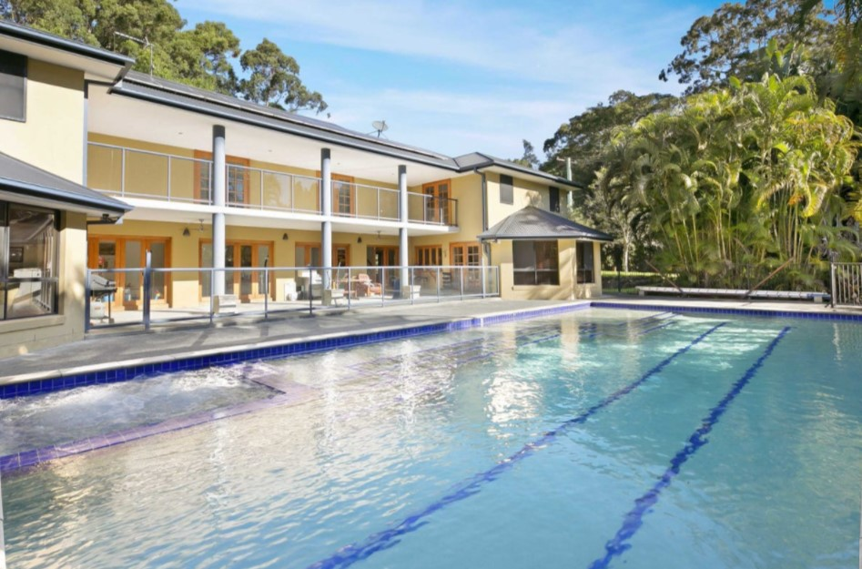 Peace, Privacy and an Exceptional Acreage Opportunity (PRD Burleigh Heads)