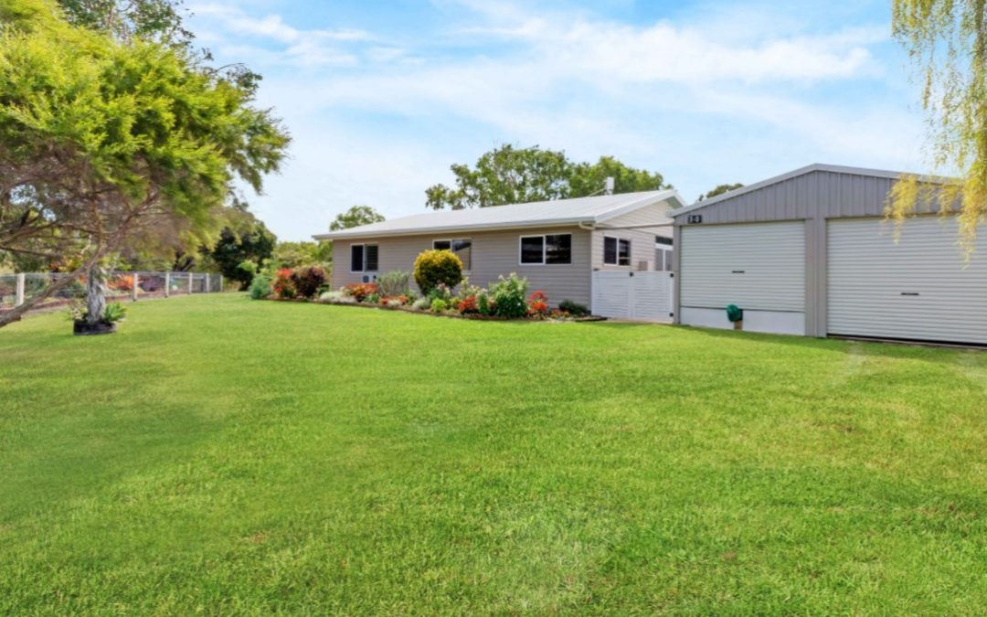 https://www.remax.com.au/property-details/14-Joyce-Court-Mcewens-Beach-Queensland-4740_20806564