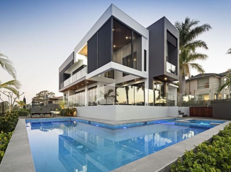 Six-Star Waterfront Luxury – A True Tropical Oasis (Kollosche)
