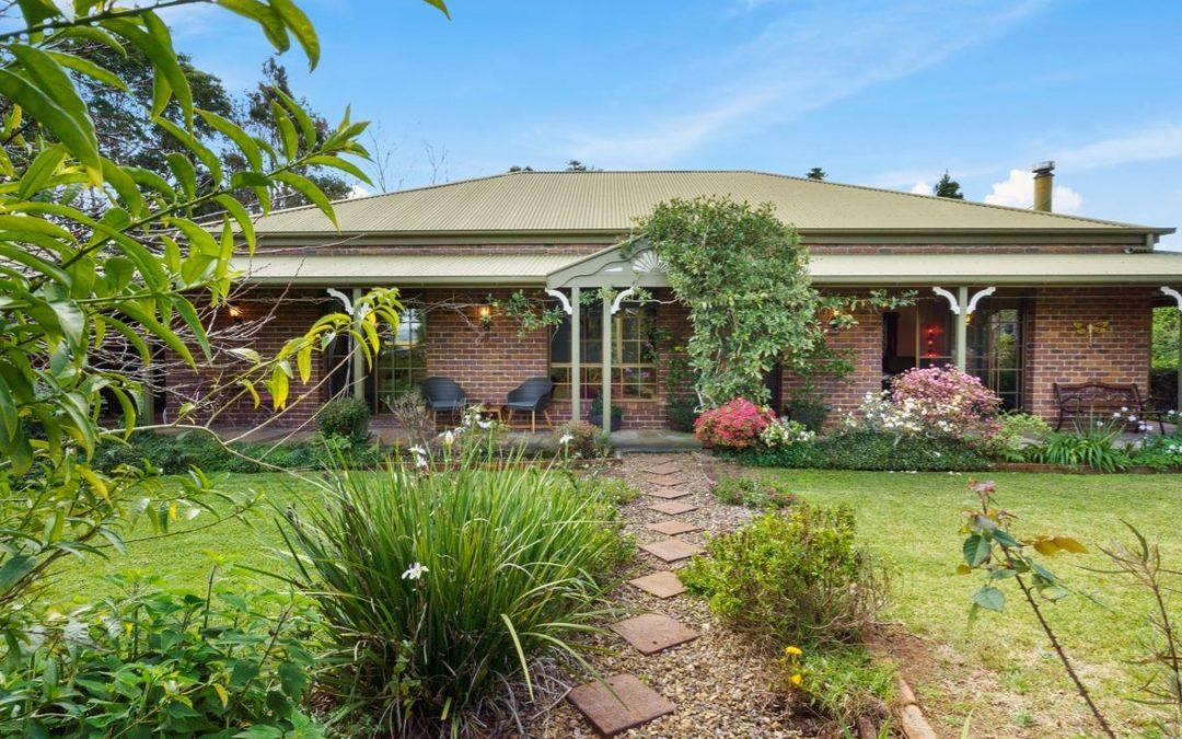 https://www.realestate.com.au/property-house-qld-beechmont-137092486