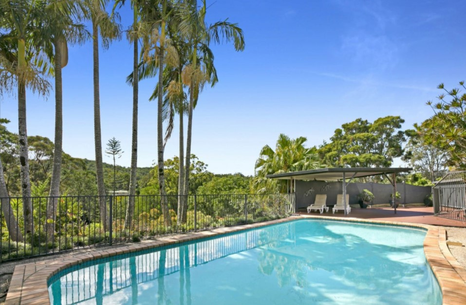 Leafy Acreage Living with Attached Business or Potential Dual Living (PRD Burleigh Heads)