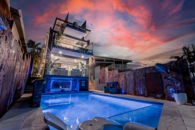 Unique and Unrivalled Resort-Style Entertainer (Ray White Burleigh Heads)