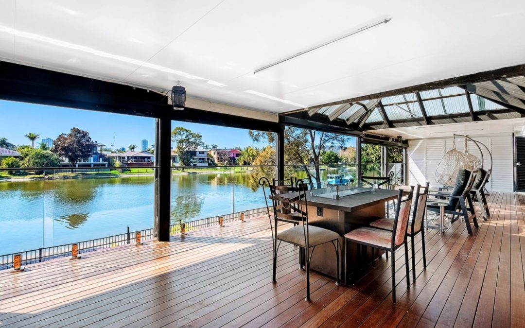 Renovated Canal-front Family Sanctuary, 2km from the Beach (Ray White Burleigh Heads)