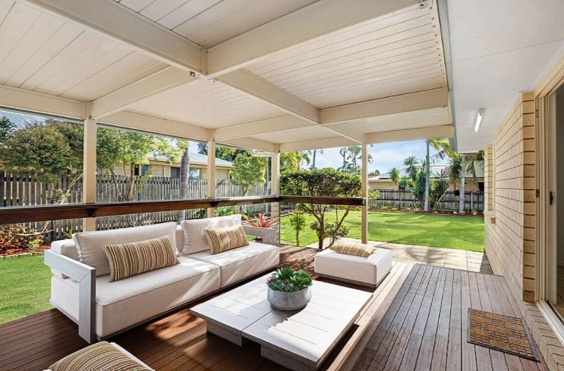 https://www.realestate.com.au/property-house-qld-eimeo-137207250