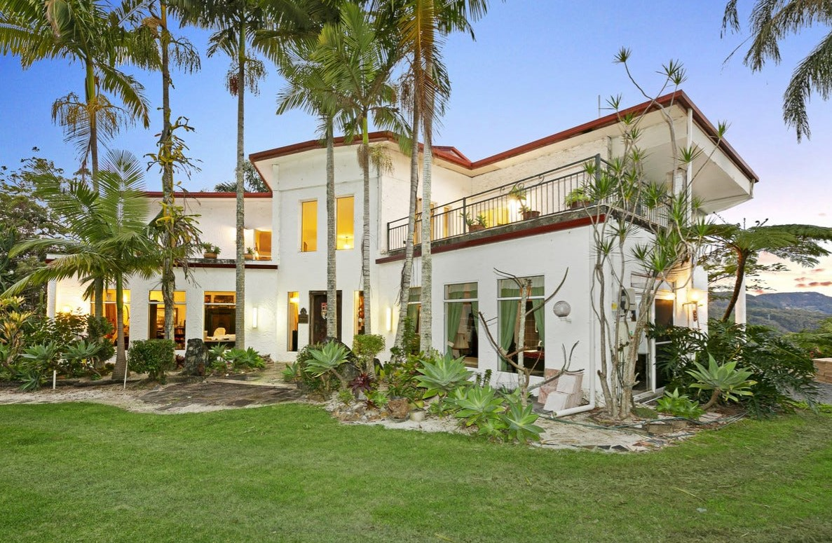 https://www.realestate.com.au/property-house-qld-tallebudgera+valley-137117878