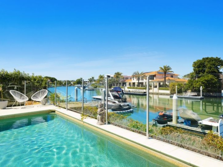 Sprawling Waterfront Estate in Sanctuary Cove (Kollosche)