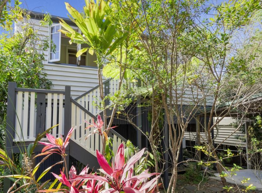 Classic Queenslander, Premium Riverside Precinct (Leo Tsimpikas)