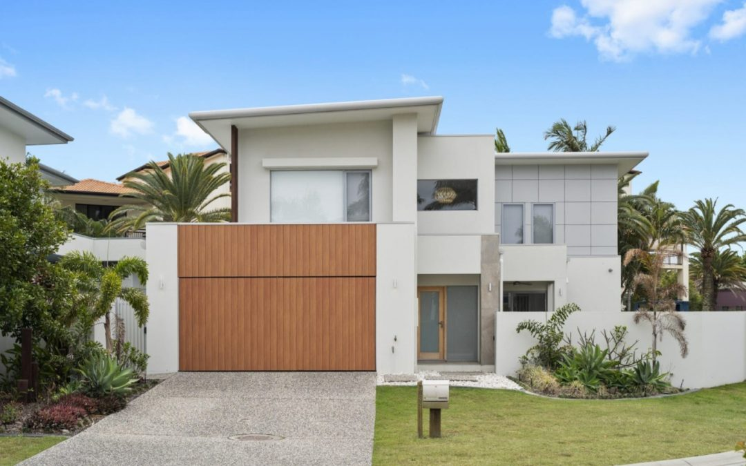 Immaculate, Modern and Made for Easy Living (Harcourts Coastal)